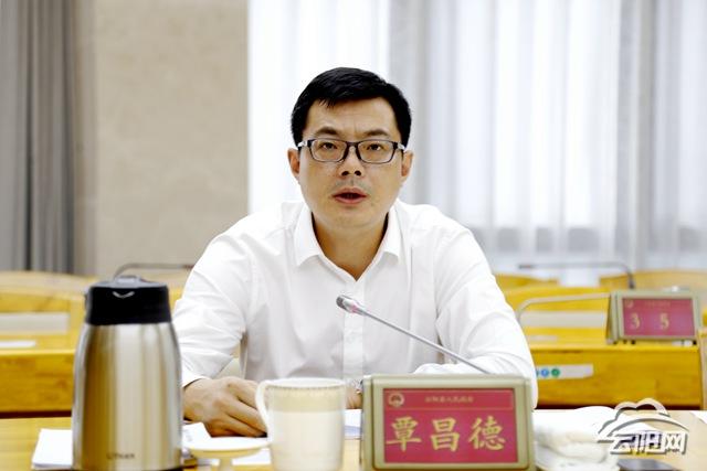 """县政府党组召开脱贫攻坚专项巡视""""回头看""""整改专题民主生活会"""