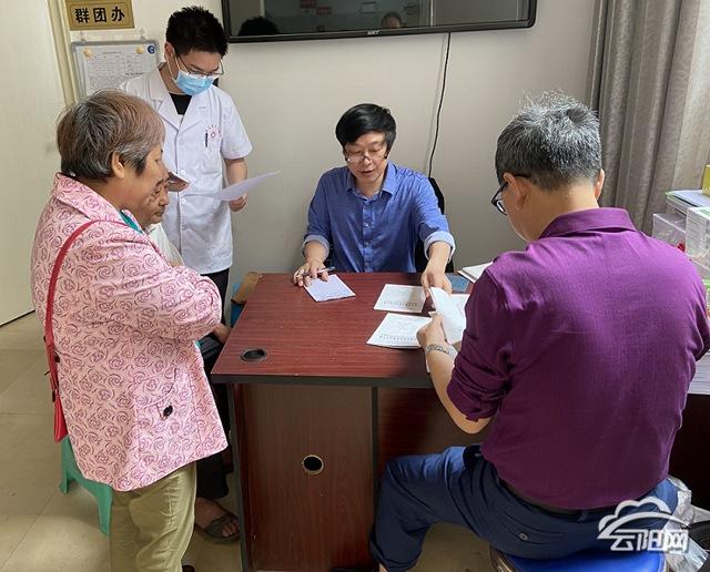 黄石镇:为精神障碍患者免费送医送药—云阳网