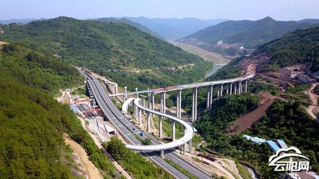 云阳东互通立交建设最新进展:今年底完工并正式通车