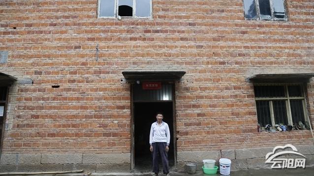 搬出深山沟住进新小区 双土贫困户扶贫搬迁后的幸福生活