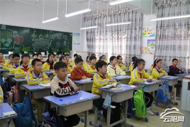 集团化办学助力教育扶贫 山区孩子同享优质教育资源