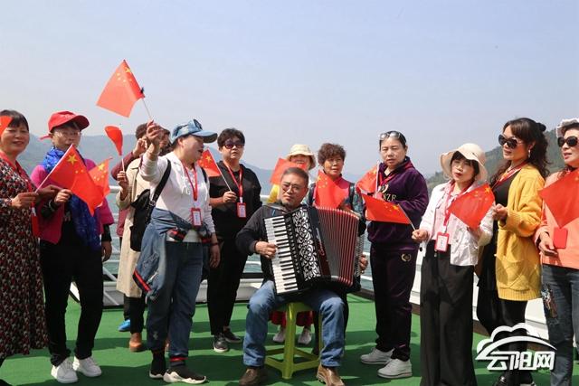 """云阳:三峡旅游""""水上巴士""""万州至云阳航线开通"""
